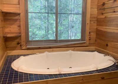 Laurel crest jaccuzzi tub